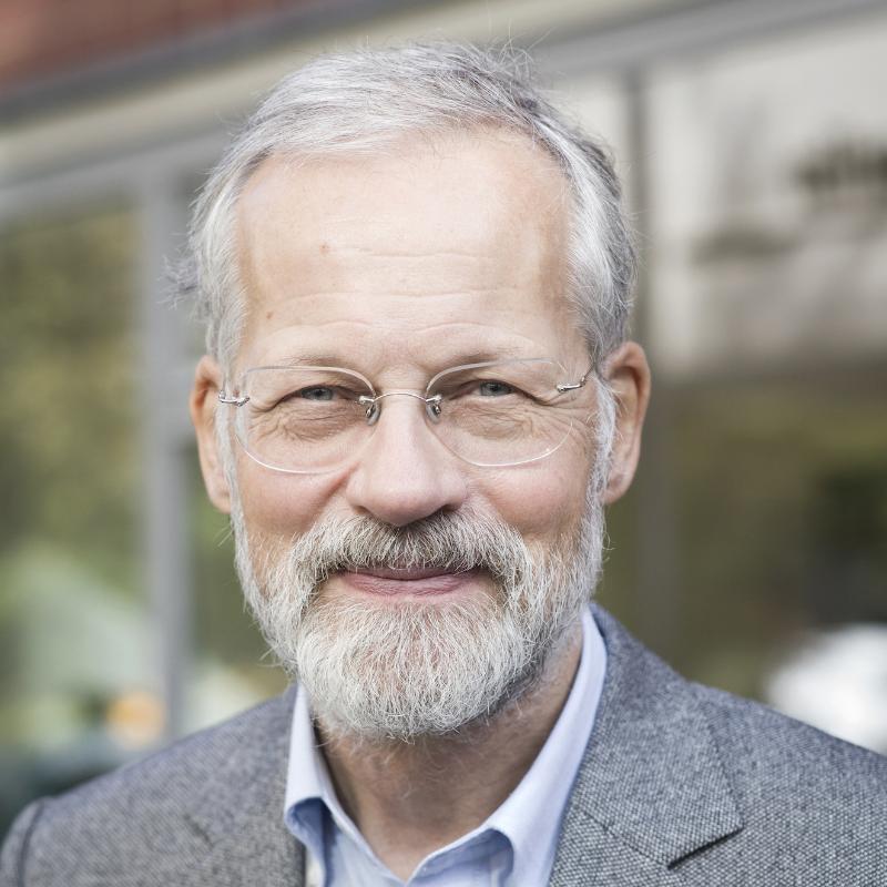 Dr. Robert Aish